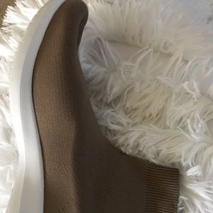 Shoes - Tan Sneakers